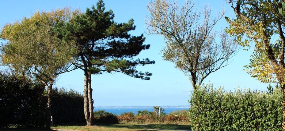 Camping du finistère avec vue sur la baie de Camaret