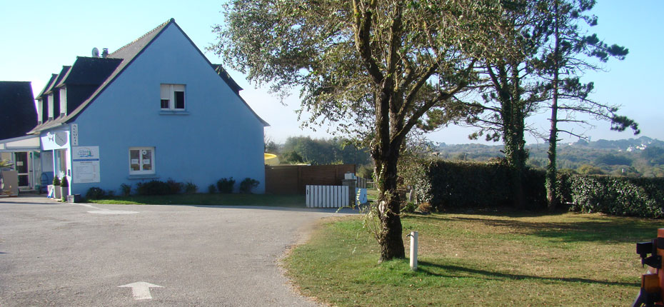 L'accueil au camping Le Grand Large sur la Presqu'Ile de Crozon dans le Finistère